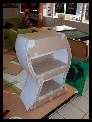 tutoriel meuble en carton le blog du service jeunesse. Black Bedroom Furniture Sets. Home Design Ideas